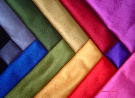 رنگهای شاد و روشن را جایگزین رنگ های تیره کنیم