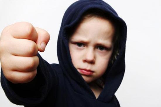 آسیب اجتماعی با نام کودک آزاری
