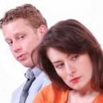 آیا شما بیش از اندازه همسر خود را چک می کنید؟