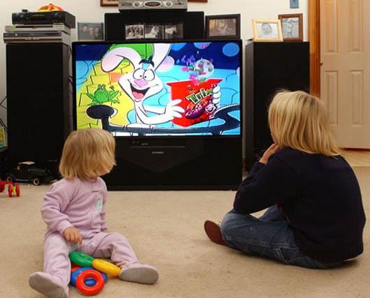 مشاوره کودک تلفنی:کودک و تماشای تلویزیون