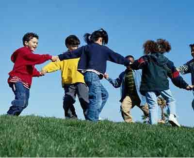 بهترین مشاور کودک:شرکت در بازی کودکان