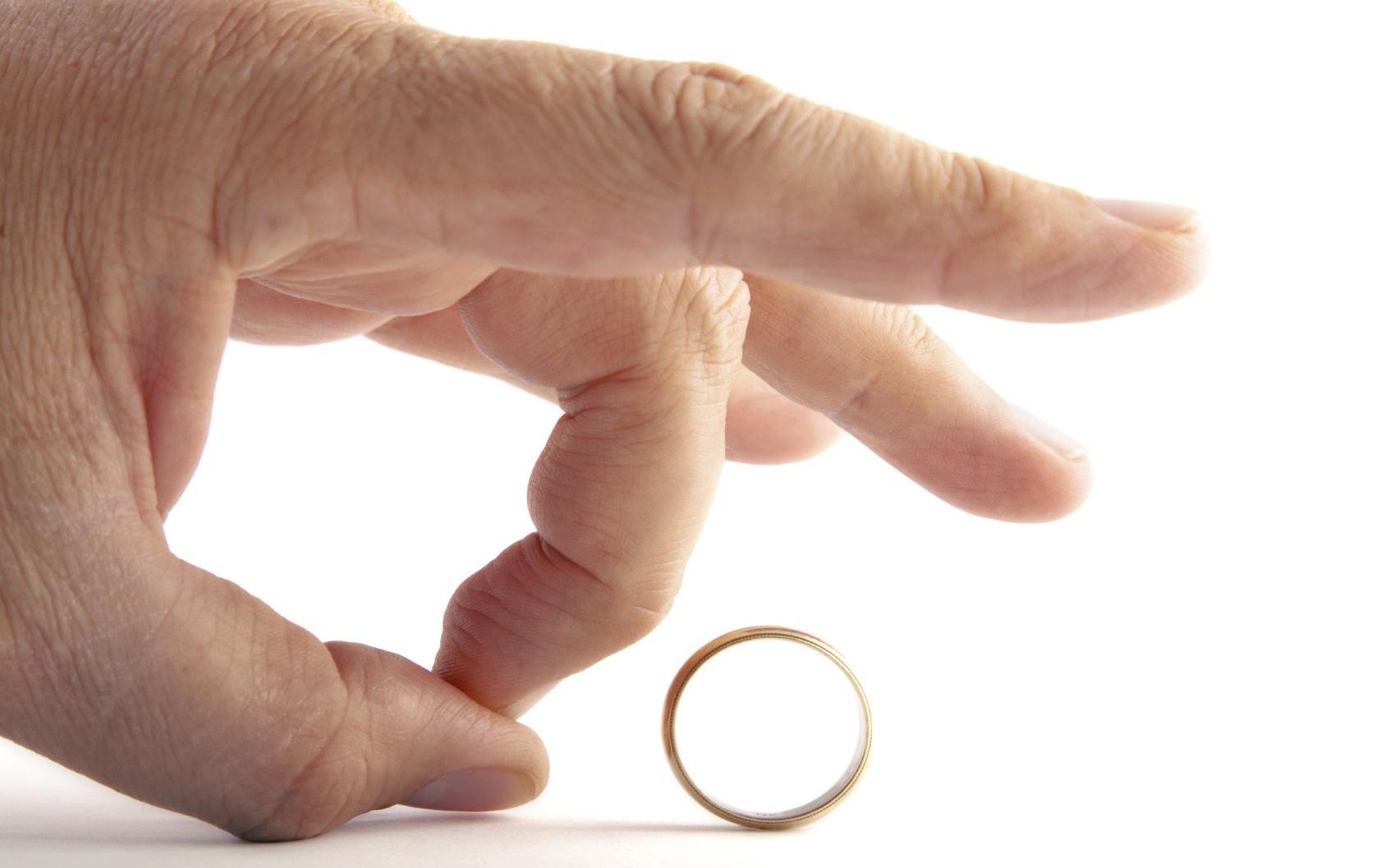 هفت راهکار برای بازیابی اعتماد به نفس پس از طلاق