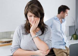 رابطه بین مشکلات خواب و احساس بی ارزشی در ارتباط