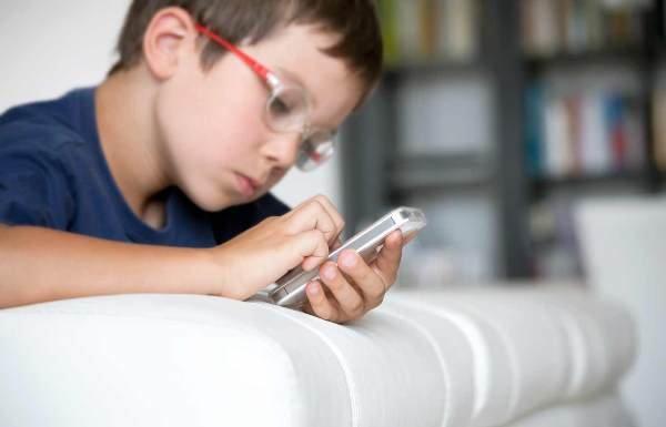 کودکان و موبایل