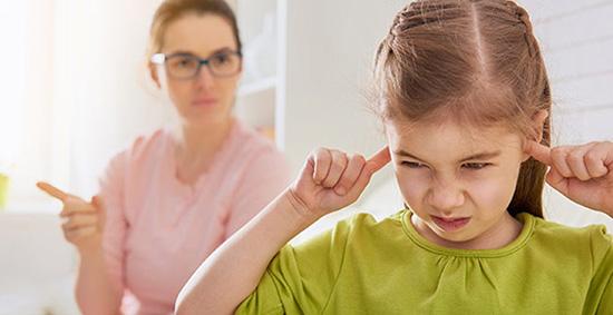 سخت گیری کردن بیش از اندازه به کودک
