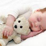کودک خود را هیچ وقت شتاب زده از خواب بیدار نکنید